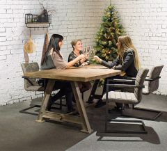 Tygo Railway dining table sfeer