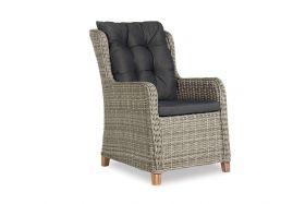 Brighton Diningchair XXL with wooden legs, inclusief zit- en rugkussen