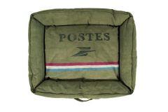 Postes Vintage Dog Bed